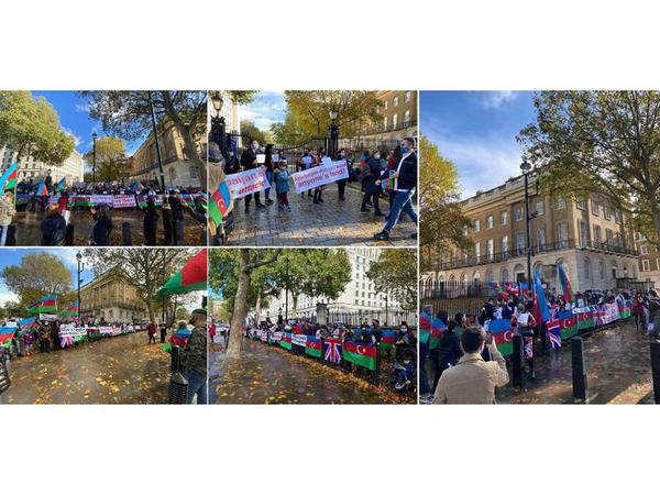 Londonda Baş nazirin ofisi qarşısında Gəncə terroruna etiraz