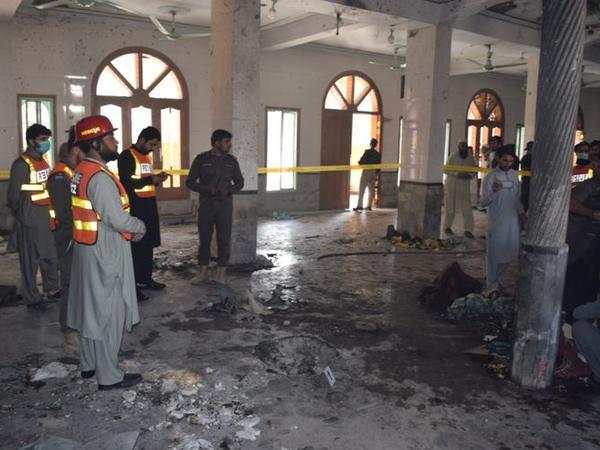 """Pakistanda mədrəsədə terror aktı törədilib, ən azı 8 nəfər ölüb - <span class=""""color_red"""">YENİLƏNİB - FOTO</span>"""