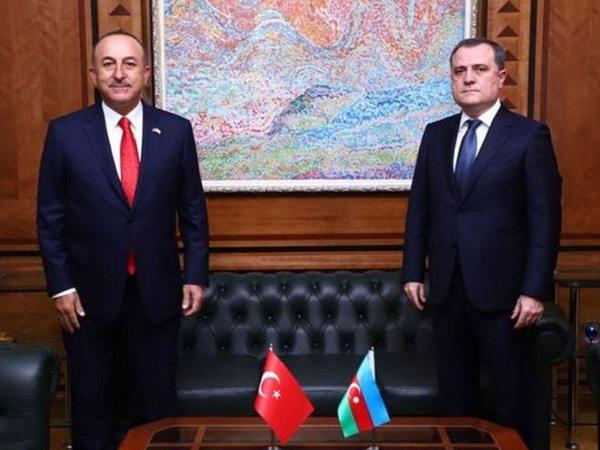 Ceyhun Bayramov Çavuşoğlu ilə danışdı