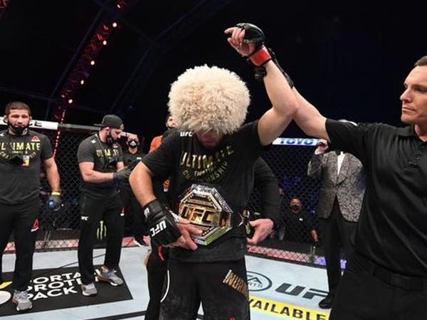 Fergüson Nurməhəmmədovun UFC-nin reytinqində birinci pillədə olmasını doğru hesab etmir