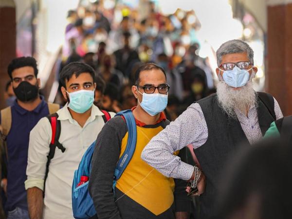 Hindistanda COVID-19-a yoluxanların sayı 8 milyonu ötüb