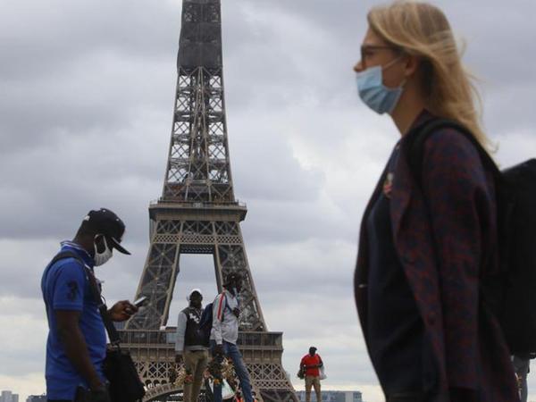 COVID-19: Fransada koronavirusa 47 637 yeni yoluxma qeydə alınıb
