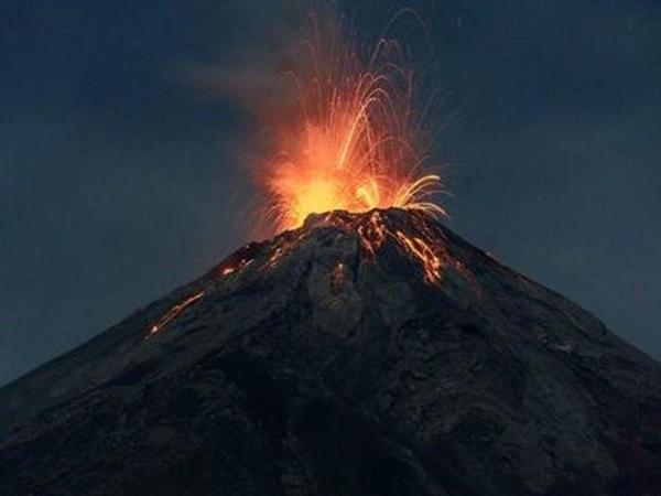 Rusiyada güclü vulkan püskürməsi olub