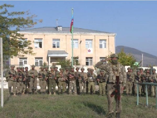 İşğaldan azad olunmuş sərhəd zastavaları üzərində Azərbaycanın dövlət bayrağı dalğalanır