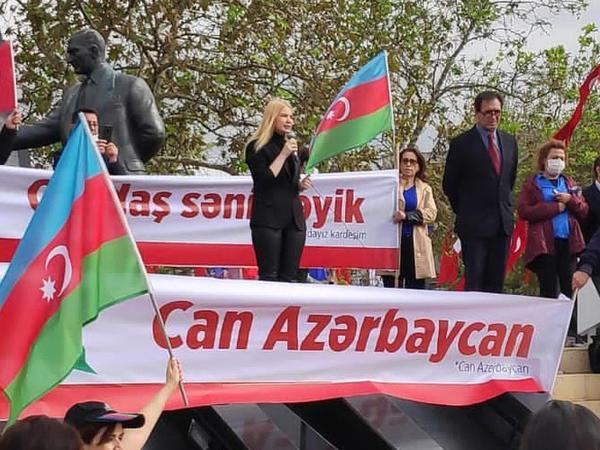 """İstanbulda """"Qarabağ Azərbaycandır"""" adlı aksiya keçirilib - FOTO"""