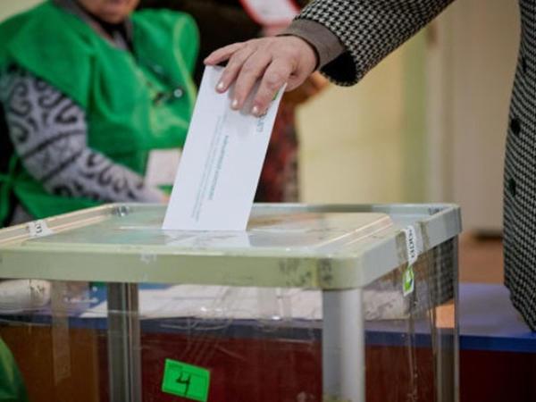Gürcüstanda parlament seçkiləridir