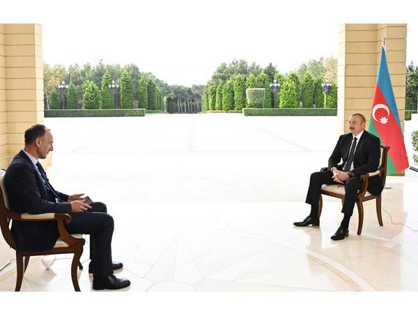 """Azərbaycan Prezidenti: """"Biz nə qədər çox müdafiə olunuruqsa, daha çox əraziləri azad edirik"""""""