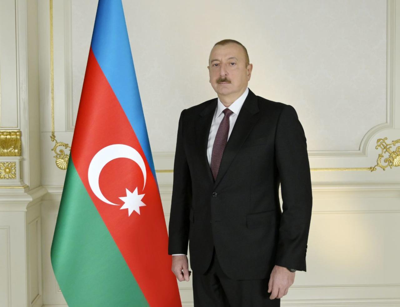 Prezident İlham Əliyev Azərbaycan dəmir yolu nəqliyyatı işçilərini təltif etdi - SİYAHI