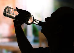 Müntəzəm spirtli içki qəbulu ömrü nə qədər qısaldır?