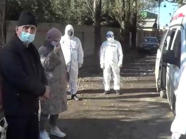 Rayondan çıxmaq istəyən koronavirus xəstələri postda saxlanıldılar