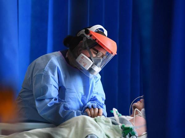 Britaniyada daha 608 nəfər koronavirusdan öldü