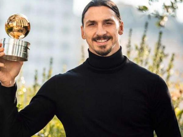 İbrahimoviç ən yaxşı futbolçu seçildi