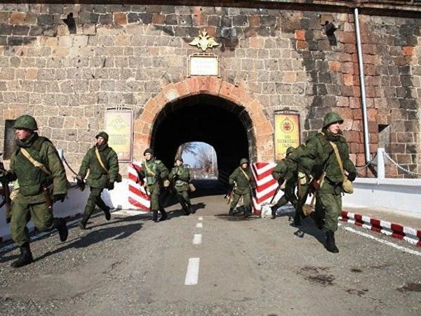 Ermənistandakı hərbi bazada Rusiya hərbçisinin cəsədi tapılıb