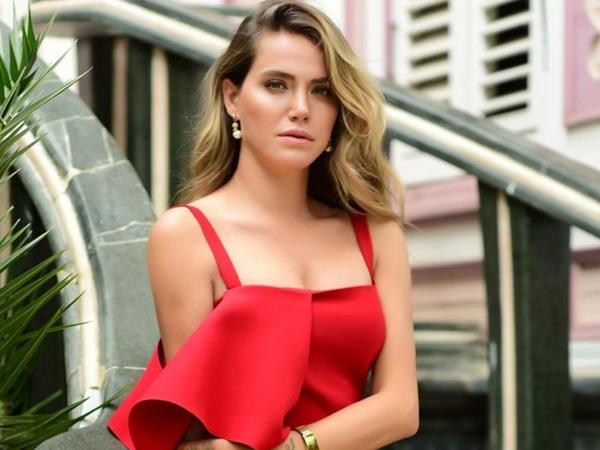 "Türkiyəli aktrisa ana oldu - <span class=""color_red"">FOTO</span>"