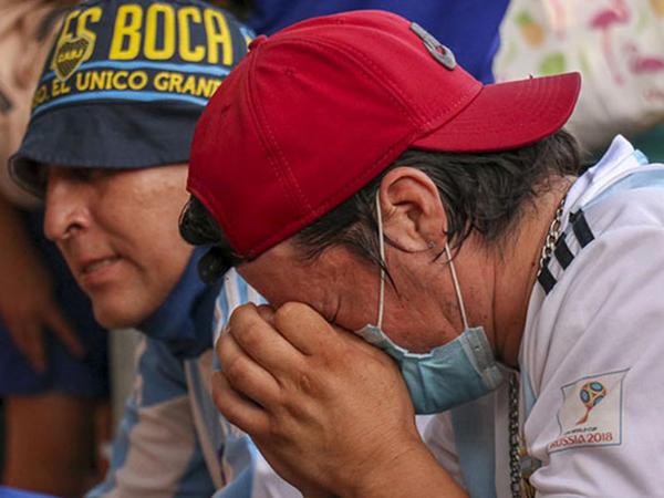 """Argentina xalqı Maradona üçün ağlayır... - <span class=""""color_red"""">FOTOlar</span>"""