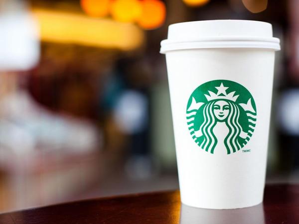 """Çin məhkəməsi saxta """"Starbucks"""" qəhvəsi satan şirkəti 3,2 milyon dollar cərimələyib"""