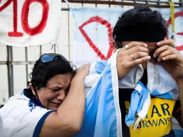 Maradonanın vida mərasimində 1 milyon insanın iştirakı gözlənilir