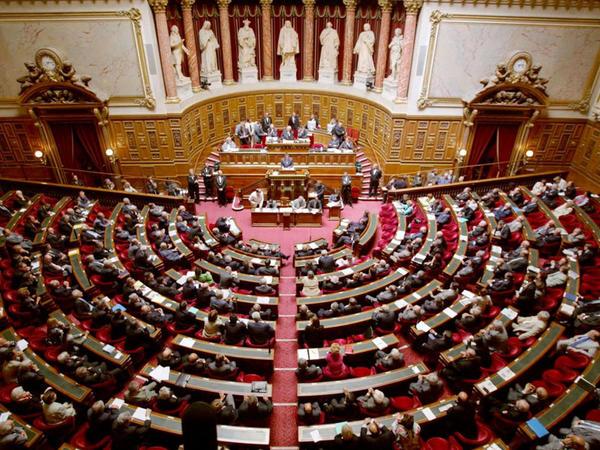 Fransa Senatının qətnaməsi bu ölkənin vasitəçi mandatını tabuta qoydu