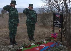 Qızları 27 il sonra Allahverdi Bağırovun məzarı başında - VİDEO