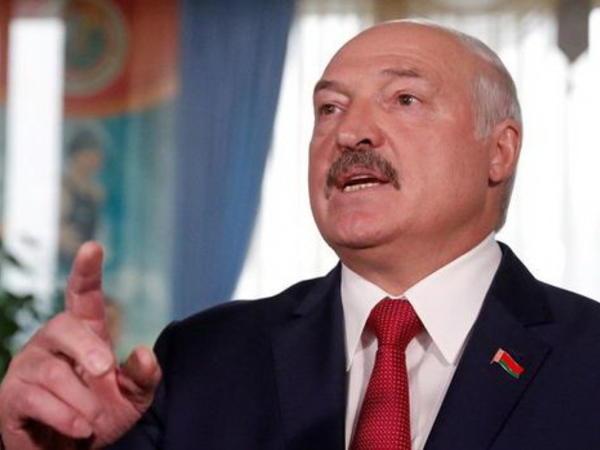Lukaşenko Belarus xalqını müstəqillik uğrunda mübarizəyə çağırdı