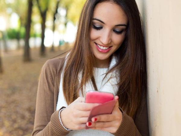 """10 haldan 9-da smartfonu səbəbsiz yerə götürürük - <span class=""""color_red"""">ARAŞDIRMA</span>"""