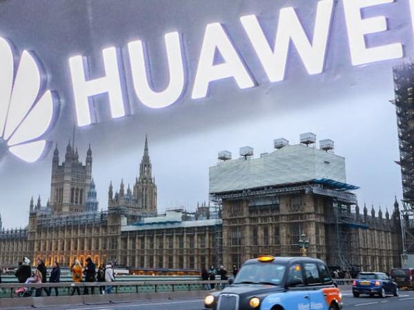 Huawei-i sıxışdırmaq üçün İngiltərə 250 milyon funt sterlinq xərcləyəcək