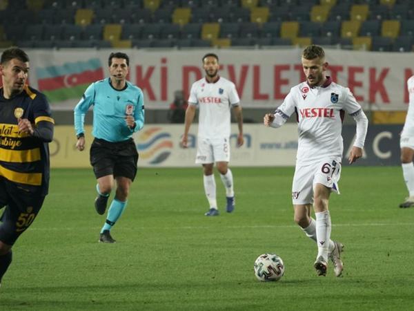 """""""Trabzonspor"""" səfərdə """"Ankaragücü""""nü minimal hesabla üstələyib"""