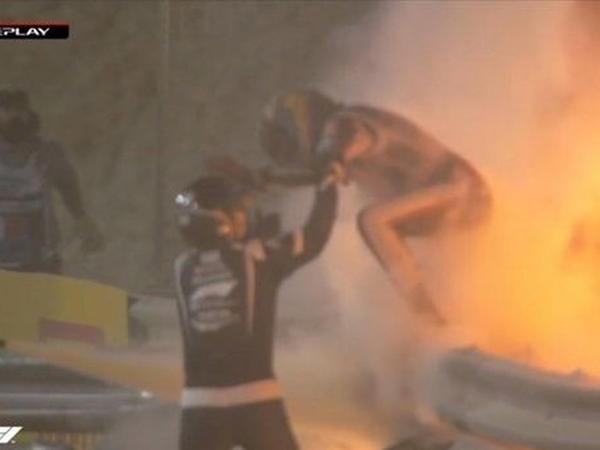 """""""Formula 1""""də dəhşətli qəza: Bolid yandı, pilot içindən sağ çıxdı - FOTO"""