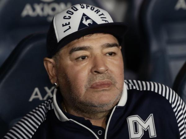 """""""Cibində 100 avrodan artıq pul olmazdı"""" - <span class=""""color_red"""">Maradonanın vəkili danışdı</span>"""
