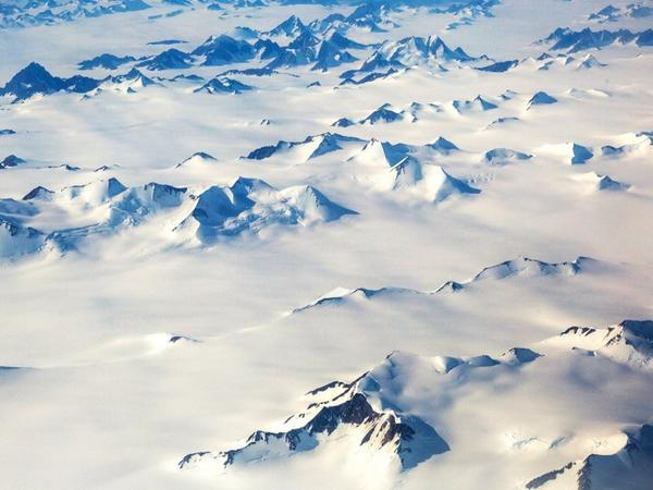 Buzlağın əridiyi ərazidə maraqlı artefaktlar aşkar edilib