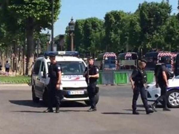 Fransada nümayişlər zamanı 98 polis yaralanıb