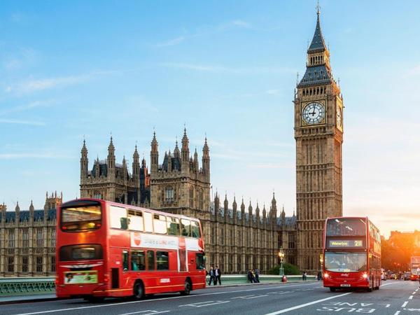 Britaniyada vergilərin artırılması təxirə salınıb