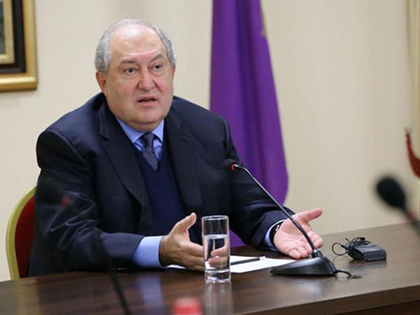 Sarkisyan Ermənistandakı böhrandan çıxış yolunu açıqladı