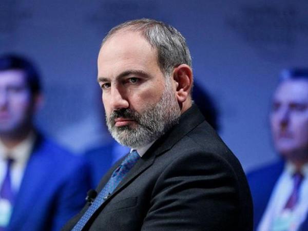 Ermənistanda Paşinyanın istefası tələbi ilə petisiya hazırlanıb