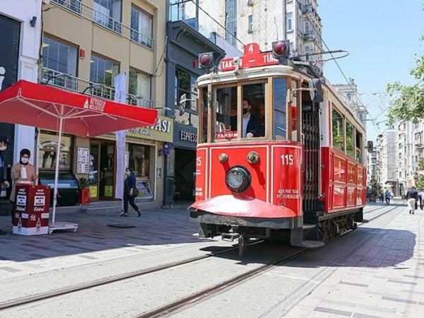 İstanbulun İstiqlal prospektinə giriş və çıxış məhdudlaşdırılıb