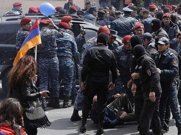 """""""Ermənistandakı hərbi-siyası böhran """"çörək"""" böhranına çevrilə bilər"""""""