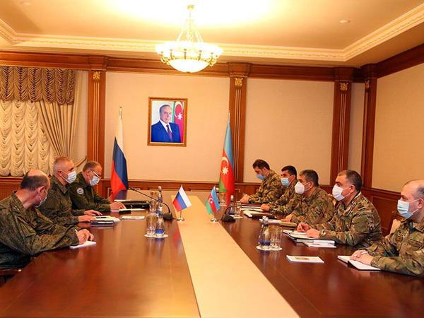 Zakir Həsənov Rusiya sülhməramlı qüvvələrinin komandanı ilə görüşüb