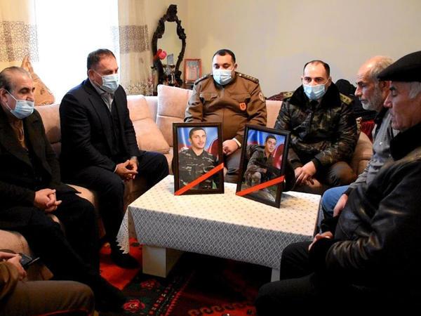 FHN-in İdman-Sağlamlıq Mərkəzinin əməkdaşları şəhid ailəsini ziyarət ediblər - FOTO