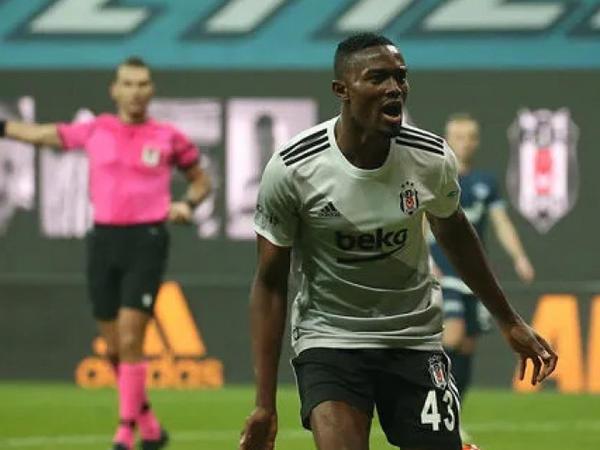 """""""Beşiktaş"""" daha bir İstanbul klubunu məğlub edib"""