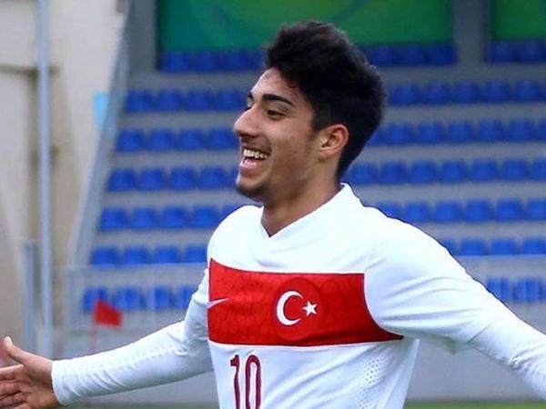 """""""Arsenal"""" Türkiyədən 3 milyona futbolçu alır"""