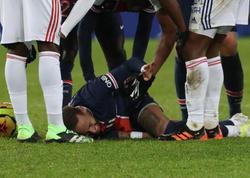 """Meydanı göz yaşları ilə tərk etdi - <span class=""""color_red"""">Neymar zədələndi</span>"""