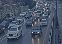 """Bakıda yol qəzası: Aeroport yolunda tıxac yarandı - <span class=""""color_red"""">FOTO</span>"""