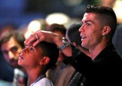 """&quot;Oğlum böyük bir futbolçu ola bilər&quot; - <span class=""""color_red"""">Ronaldo</span>"""