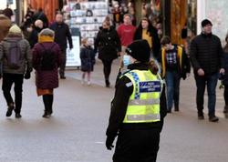 Britaniya polisi karantin qaydalarını pozanları sərt cəzalandıracaq