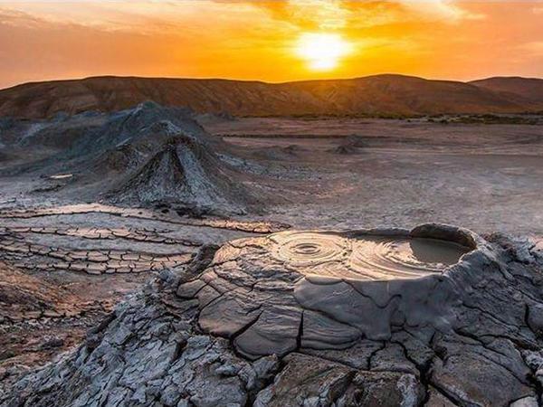 Azərbaycanda vulkan palçığının xammalı əsasında gübrə hazırlanıb