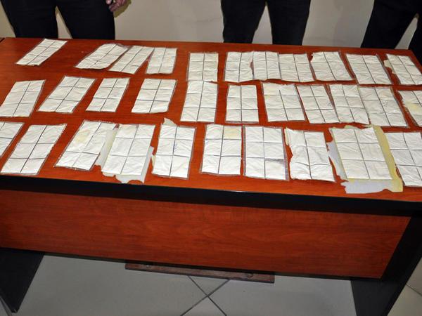 Bakıda keçmiş məhkumun evindən 25 kiloqram heroin aşkarlandı