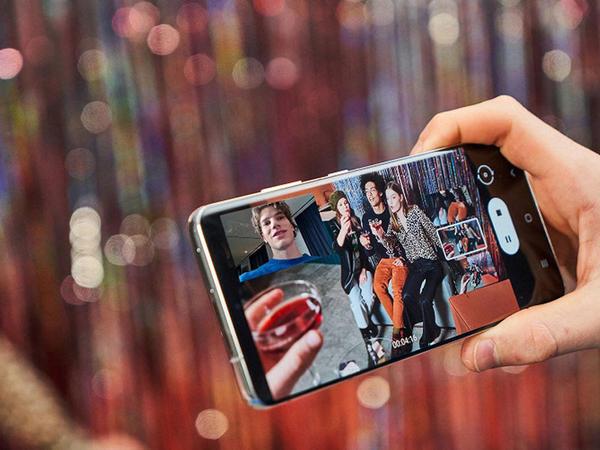 """""""Samsung"""" şirkəti """"Galaxy S21"""" smartfonunu təqdim edib"""