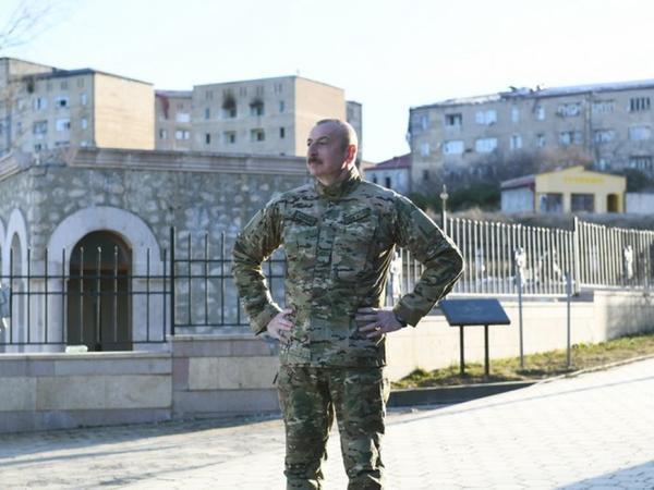Müzəffər Ali Baş Komandan milli mənəviyyatımızın zirvəsi Şuşada - Azərbaycan xalqı, başını uca tut!