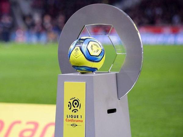 Komandanın 10 futbolçusu koronavirusa yoluxdu, oyun təxirə salındı