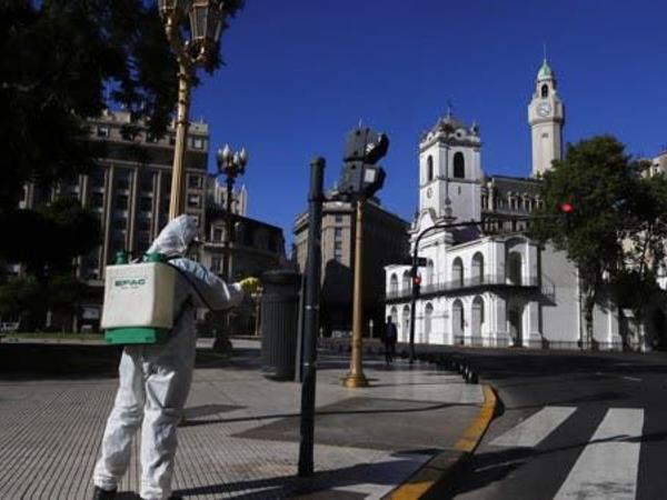 """Argentinada koronavirusun """"Britaniya"""" ştammına ilk yoluxma halı aşkar edilib"""